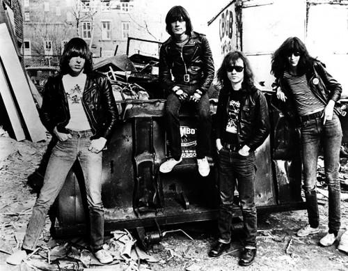 Danny Fields, Ramones in alley behind CBGB, 1977