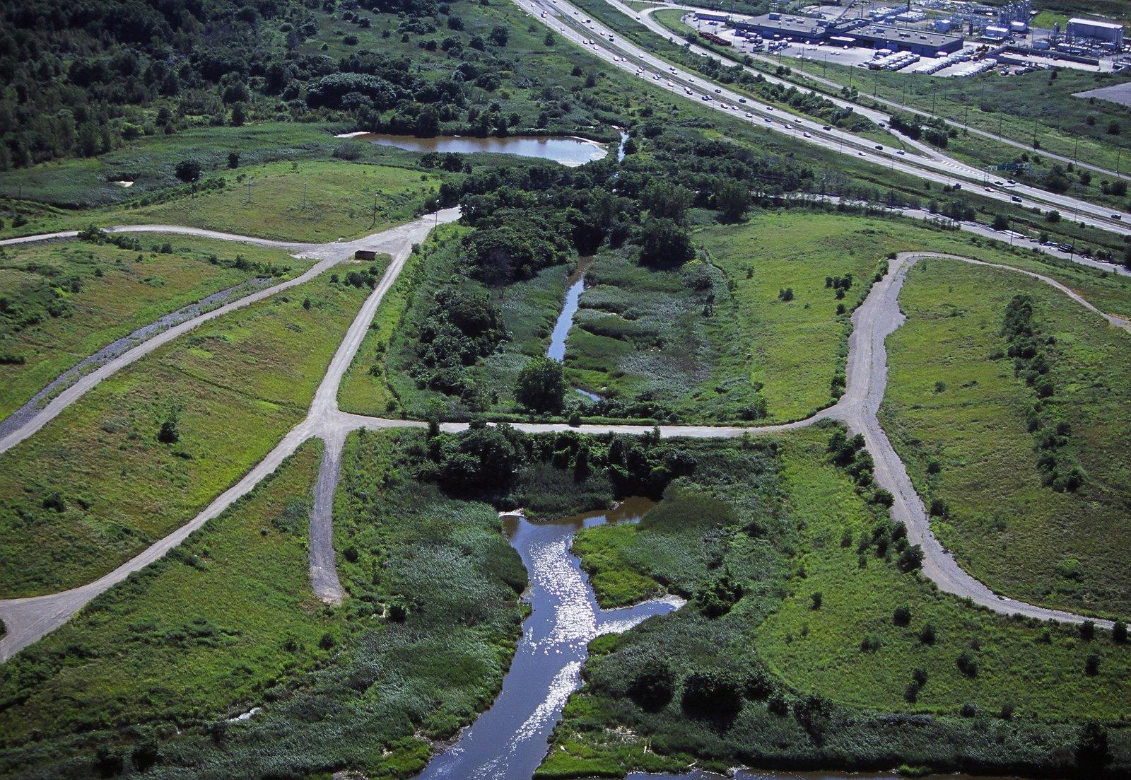 """Site of Mierle Laderman Ukeles """"Landing"""" in Fresh Kills Park"""