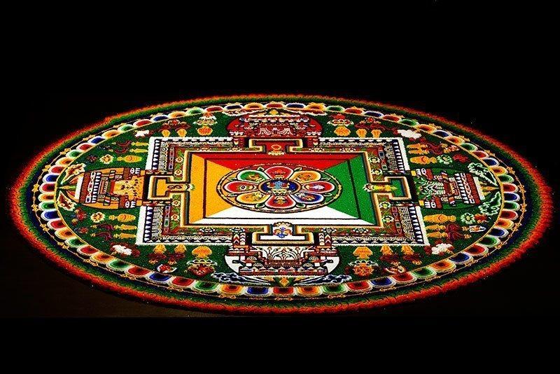 sand-painting-tibetan-buddhist